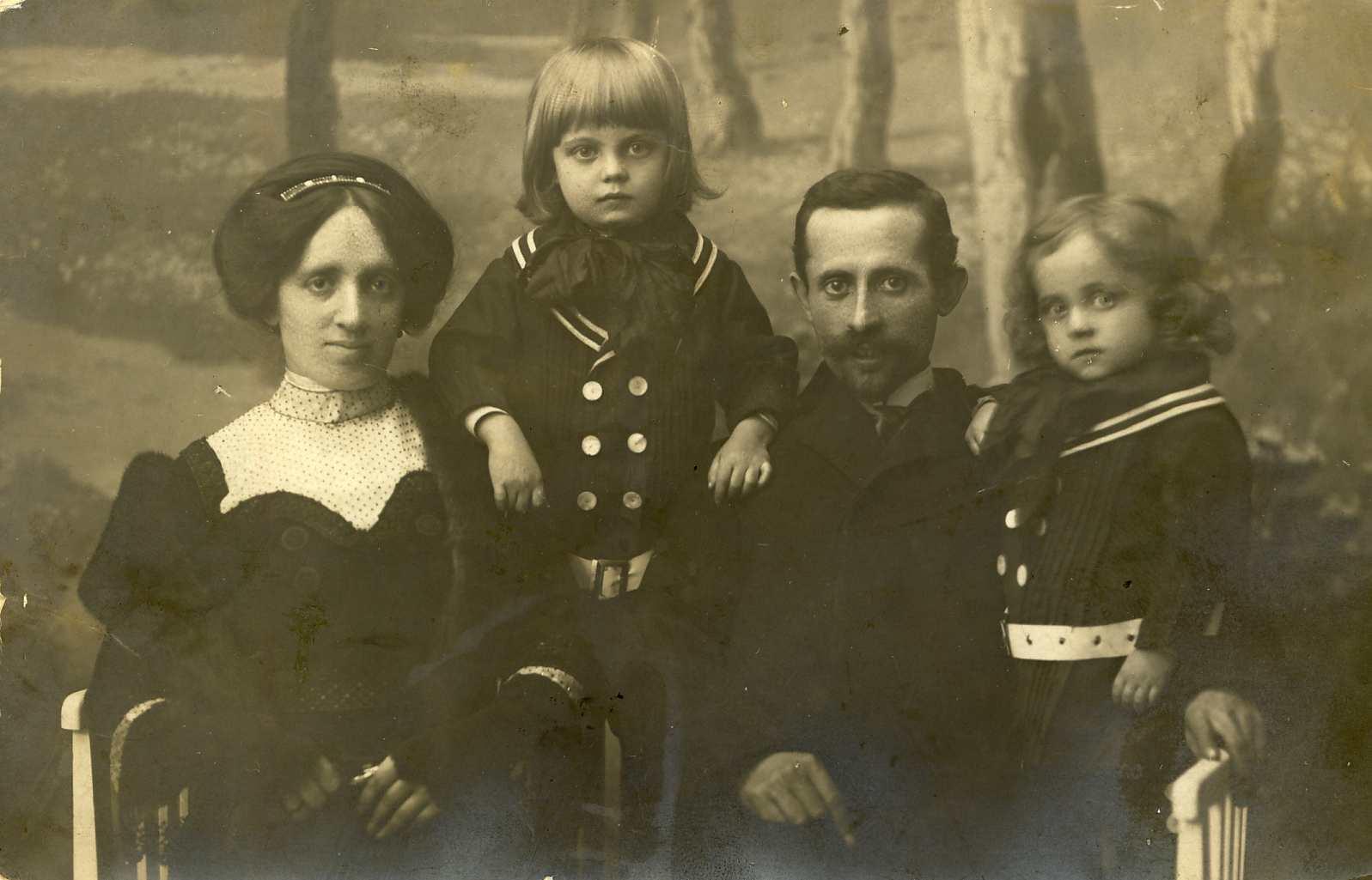 2-dvora-jup-moshe-hermann-1912